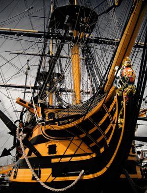 HMS_Victory_-_bow.jpg